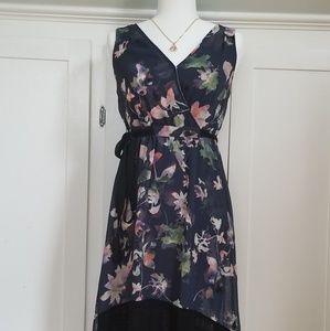 Vera Wang's sleeveless midi dress